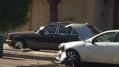 صورة سيهات : بسبب غفوة حادث تصادم في شارع الملك عبدالعزيز(بالصور)