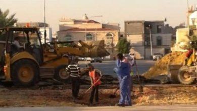 صورة سيهات : البلدية تتجاوب وتدفن الحفرة في المحدود (بالصور)