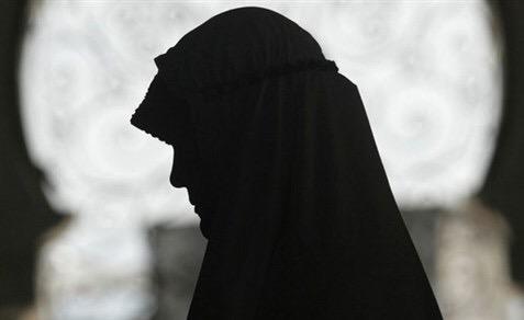 Photo of عواطف اليوسف على حافة الغياب