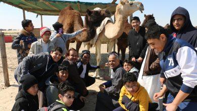 صورة طلاب العطاء يجوبون الصحراء بحثًا عن العلم والمعرفة