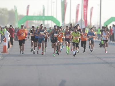 """صورة بمشاركة أكثر من ( ١٠ ) آلاف شخص بين متسابق ومتطوع ومنظم ، الموسى التخصصي يختتم فعالية سباق """"الحسا تركض"""""""