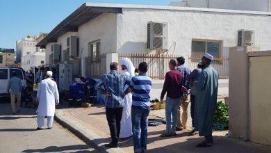 صورة سكان حي النور بسيهات يطالبون بنقل العمالة من داخل الحي