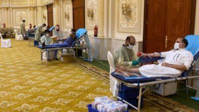 """صورة صور من حملة التبرع بالدم تحت شعار """"ومن أحياها"""" في مركز الأمير فيصل للمناسبات"""