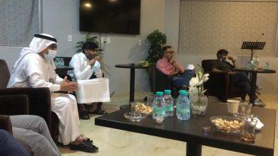 صورة سيهات: شباب الجامعة يحتفون بأعضاء مجلس إدارة الخليج