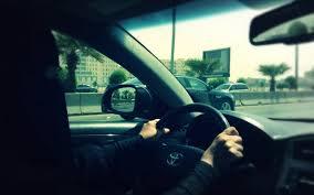 صورة «لينا أبو الوليد» من أوائل السائقات والمدربات تنتظر توثيق تجربتها